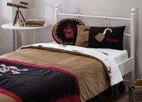 Покрывало + 2 подушки Black Pirate AKS-4479