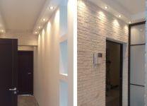 Ремонт коридора с облицовкой из камня