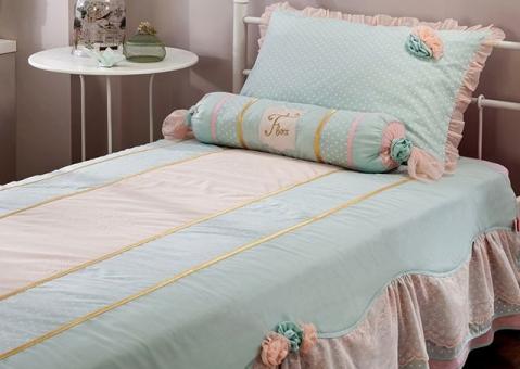 НАБОР Flora Cilek AKS-4481 и AKS-4404: покрывало с подушками